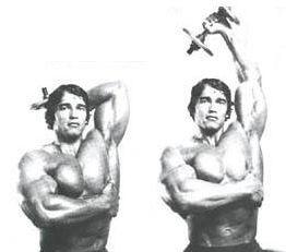 Arnold haciendo extension de triceps por encima de la cabeza